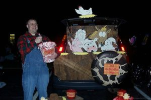 Old MacDonald's Farm Trunk or Treat by Piggy Bank Parties   Trunk or Treat Idea   Halloween Trunk or Treat   Turn your trunk into Old MacDonald's Farm for Halloween!