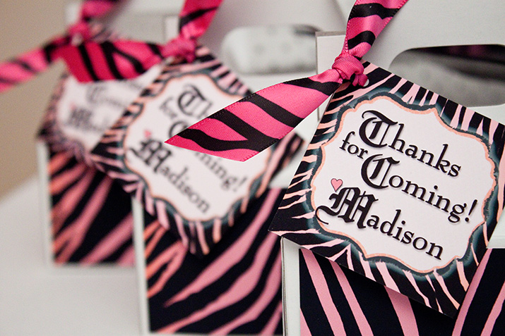 {inspiration party} a chic zebra party
