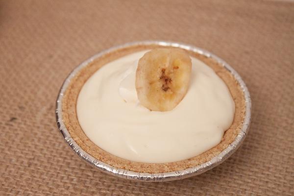 {sweet-n-savory saturday} mini cream pies