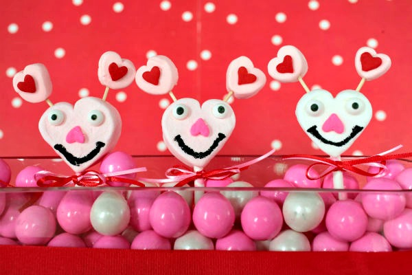 {guest blogger} marshmallow love bugs
