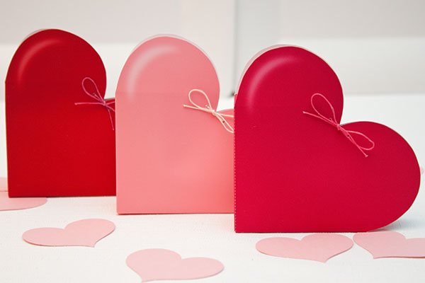 {link party} valentine's day favors-n-freebies
