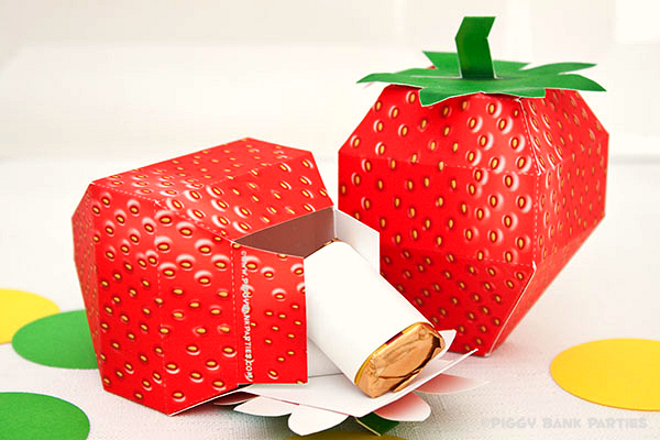 Piggy Bank Parties Strawberry Favor Box4