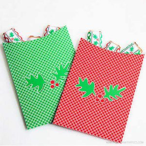 Holly-Day Favor Bags by Piggy Bank Parties